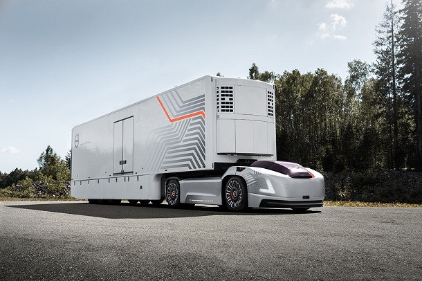 Futuristics tractor units by Volvo Trucks