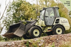 Volvo LX2 : a 100% electric compact loader