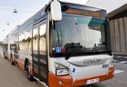 Iveco livre ses premiers Urbanway à la STIB