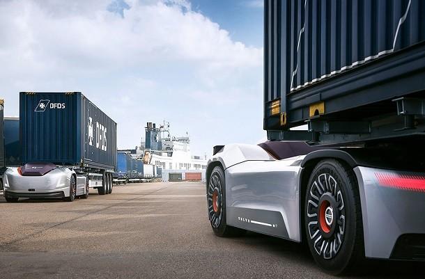 Vera il camion senza cabina della Volvo Trucks in azione