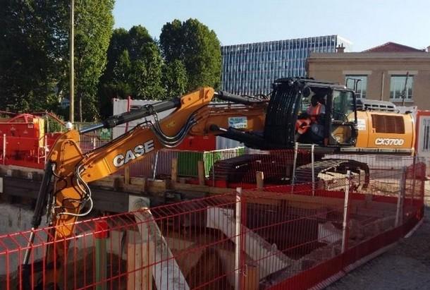 Grand Paris: la première pelle CX370D Triple Articulation Stage V livrée en Europe