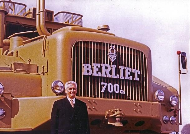 Berliet T100: le plus gros camion du monde est de sortie!