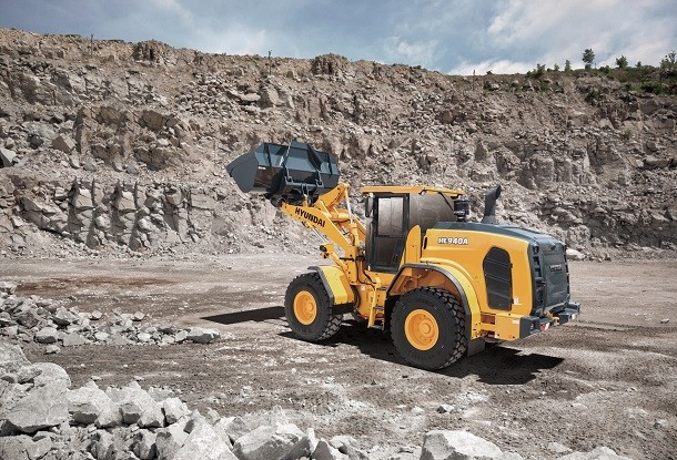 Hyundai launches its new Stage V loaders