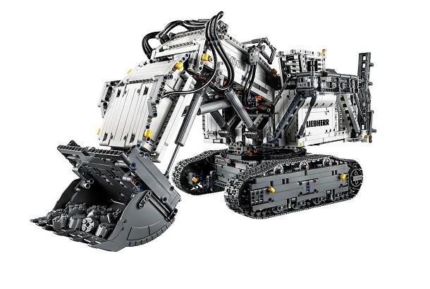 LEGO® Technic™ propose une pelle Liebherr en modèle réduit!