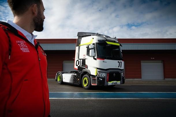 Le T01 Racing: nouvelle série spéciale signée Renault Trucks