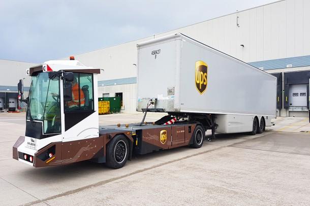 Hub UPS di Londra: avviato test sui veicoli Gaussin, elettrici e autonomi, per movimentare i rimorchi