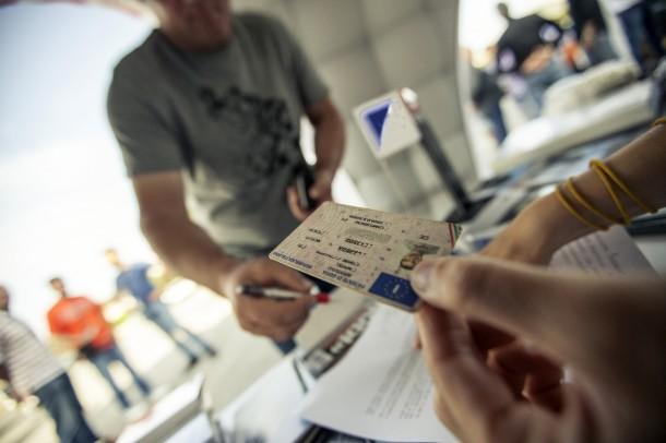 """20 maggio: riaprono autoscuole e motorizzazioni e riprendono gli esami (in sicurezza). Centinaia i """"promessi"""" autisti in attesa"""