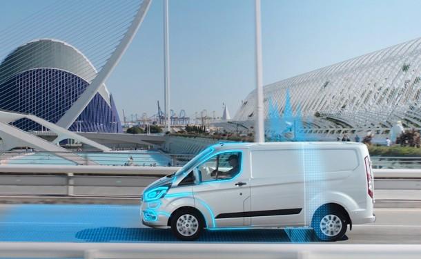 Transit Custom Plug-In Hybrid: istintivamente elettrico in ZTL