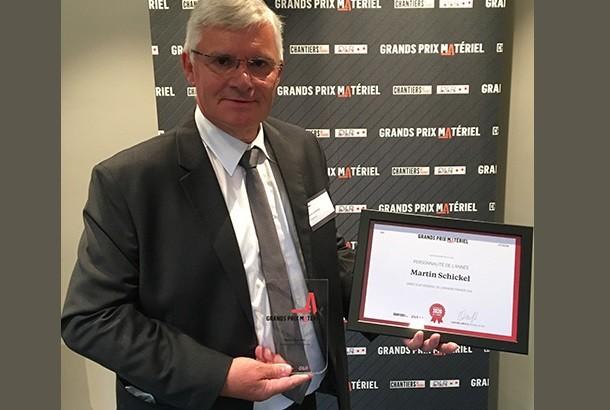 Martin Schickel (Liebherr) reçoit le Grand Prix Matériels Chantiers de France et DLR