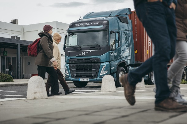 Alexa embarque dans les camions Volvo Trucks!