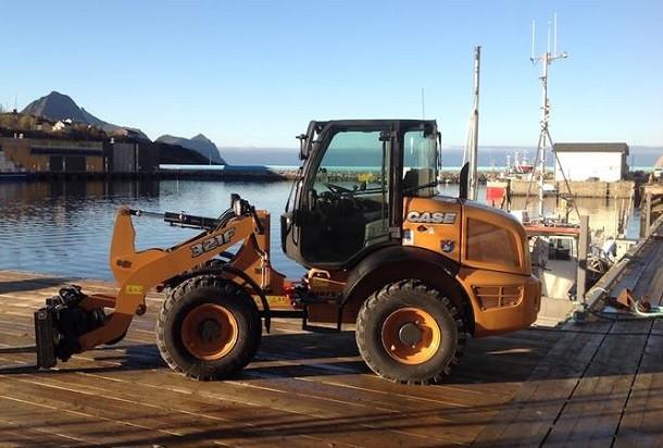 Une chargeuse CASE 321F au service des pêcheurs norvegiens!