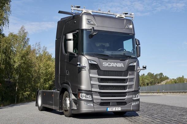 Scania teste ses camions autonomes sur autoroute