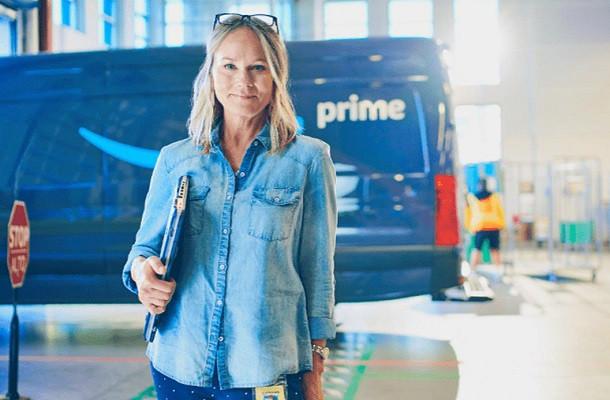 Amazon investe 500 mila euro su aspiranti autotrasportatrici