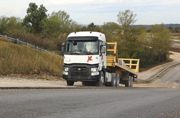 Used Trucks Factory: nouveau TX-64pour l'Afrique et le Moyen-Orient