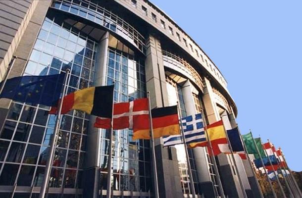 Corte Ue: «La mancanza di più fogli del tachigrafo non moltiplica le sanzioni»
