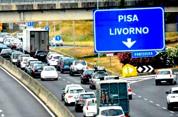 Firenze-Pisa-Livorno, salta lo stop ai Tir, ma scatta il divieto di attraversamento di Lastra a Signa