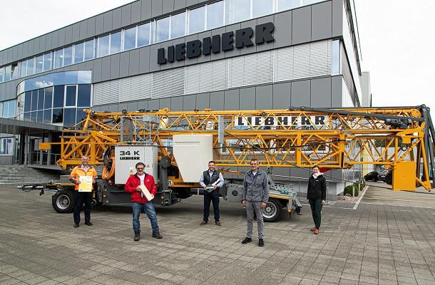 Liebherr célèbre la vente de sa 2000ème grue 34K
