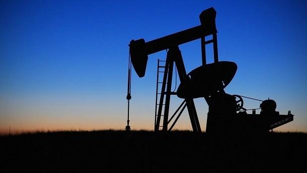 De verlaagde brandstofprijzen en de gevolgen voor het goederenvervoer over de weg