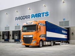 A Low Deck version for the DAF XF Euro 6 tractor unit !