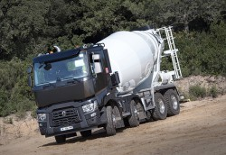 Renault Trucks stellt seine neuen Baustellen-Nutzfahrzeuge auf Intermat vor.