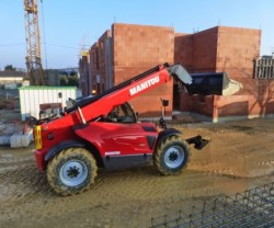 Manitou launches three new telehandlers in the Construction MT series