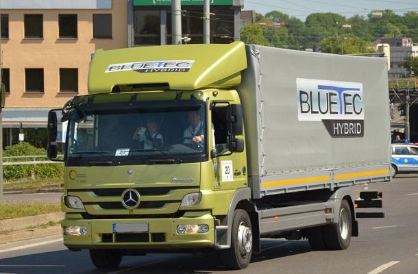 Le Mercedes Atego BlueTec Hybrida été élu camion de l'année 2011.