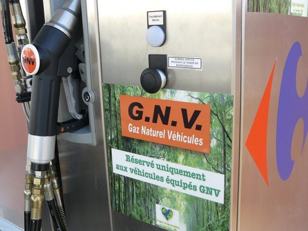 Une pompe à carburant GNV en France.
