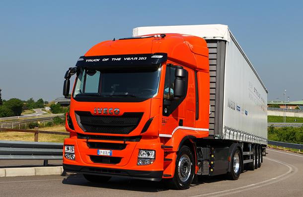 Les tracteurs Iveco Stralis GNV sontdisponibles en version Hi-Street et Hi-Road.