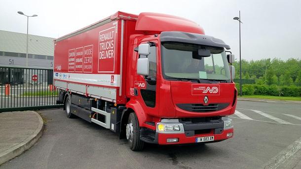 En 2013, Renault Trucks a testé un Midlumélectrique avec un prolongateur d'autonomie.