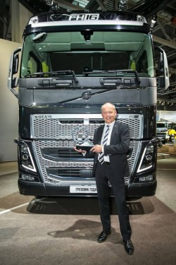 "Der Volvo FH ist der ""Truck of the year 2014"" !"